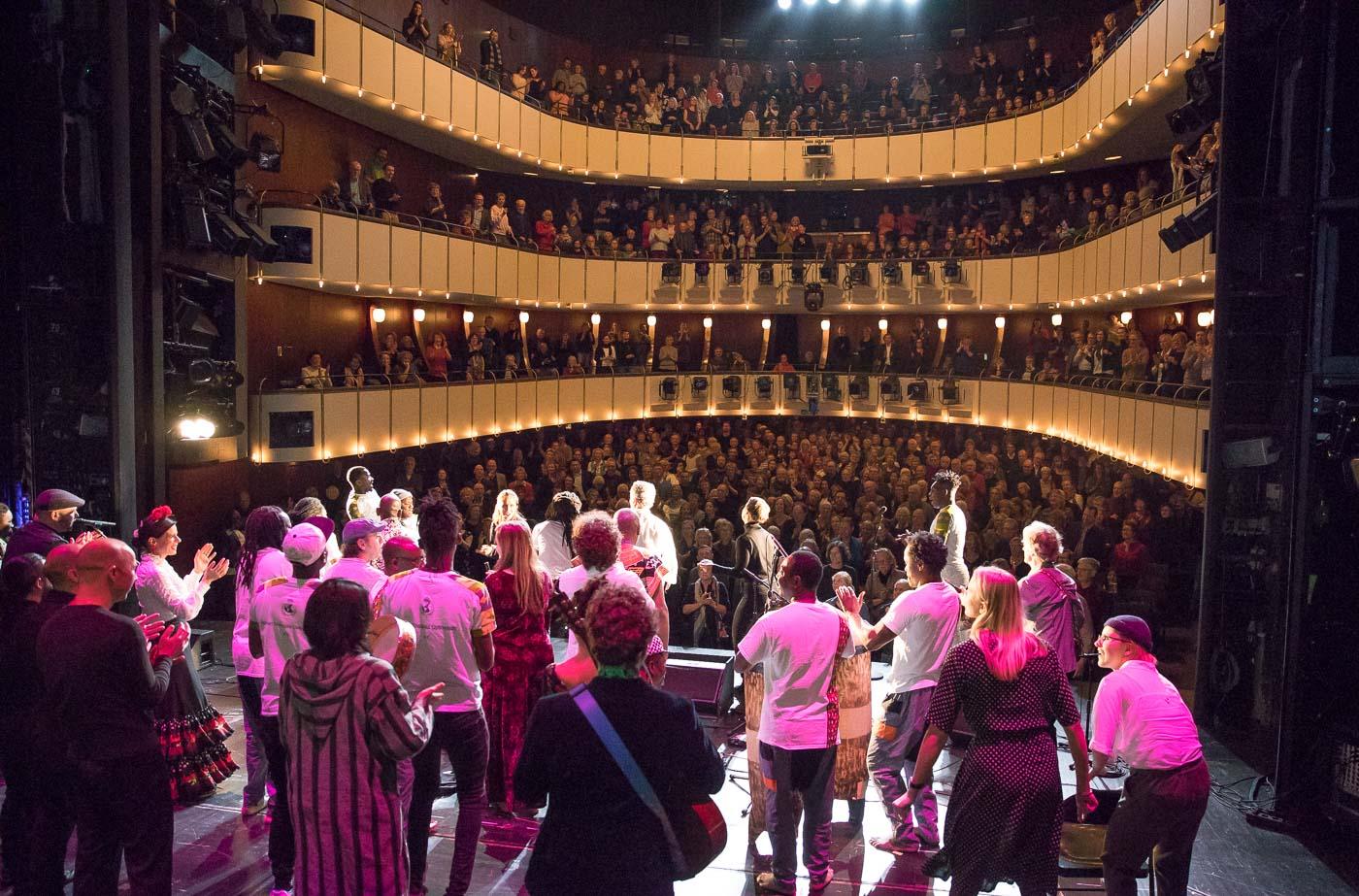 Großes Finale mit allen Musikerinnen und Musikern. Foto: Jennifer Kauka