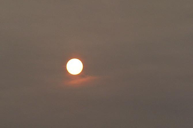 Schummrige Sonne am Dienstagmorgen