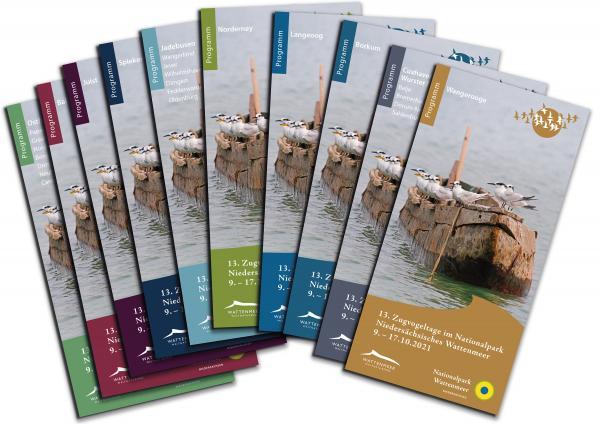 Die Programmhefte der 13. Zugvogeltage. Bild: Nationalparkverwaltung Niedersächsisches Wattenmeer